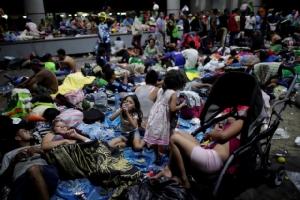 ผู้อพยพฮอนดูรัสครึ่งหมื่นเดินเท้าถึงเม็กซิโก 'ทรัมป์'ขู่ฟอดใช้กำลังเต็มพิกัดสกัดเข้าสหรัฐฯ