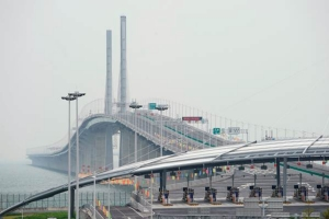 สะพานเชื่อมฮ่องกง-จูไห่-มาเก๊า ในวันพิธีเปิดฯเมื่อวันที่ 23 ต.ค. 2018 (ภาพ รอยเตอร์ส)