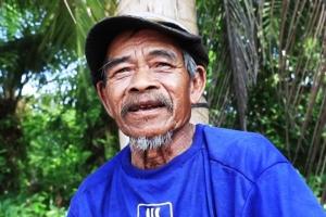 ลุงวัย 70 ปี สู้ชีวิตมองขยะเป็นกองเงินกองทอง เก็บขายจนมีเงินเก็บเลี้ยงชีพ