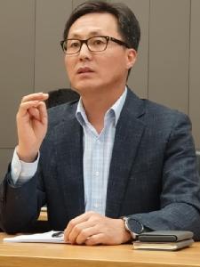 Hark-sang Kim