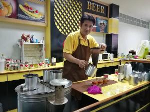ร้านกาแฟโกฉิ้ง ความเก่าแก่กว่า 80 ปี ที่ต้องลิ้มลอง ของชุมชนนาบอน เมืองนครศรีฯ (ชมคลิป)