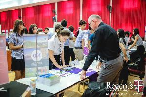"""ร.ร.นานาชาติรีเจ้นท์กรุงเทพฯ จัด """"University Fair 2018"""" ปูแนวทางให้นักเรียน"""