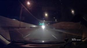 กระบะแต่งซิ่งย้อนศรบนทางด่วน ชี้อันตรายเพราะรถทุกคันขับเร็ว