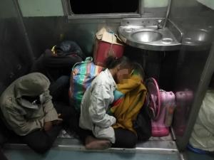 หนุ่มตัดพ้อ 40 ปีรถไฟไทยไม่เคยเปลี่ยน กับภาพผู้ใช้บริการรถไฟชั้น 3 ชัชชาติ วอนอย่าลืมใส่ใจประชาชน