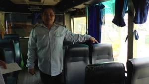 นักศึกษาสาวปี 2 เจอชายโรคจิตลวนลามจับหน้าอกลูบขาบนรถเมล์