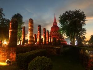 Epson ททท.สุโขทัย เอกศิลป์ Sony และทีมปฏิรูปธุรกิจถ่ายภาพ ชวนเที่ยวงานลอยกระทง สุโขทัย