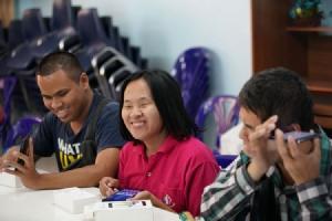 ซัมซุงร่วมเป็นกำลังสำคัญก้าวข้ามกำแพงแห่งการเรียนรู้ หนุนผู้พิการทางสายตาเตรียมพร้อมเข้าสู่ยุคดิจิทัล