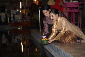 """ไอคอนสยาม เจ้าพระยา ริเวอร์ ออฟ ไลฟ์"""" (ICONSIAM CHAO PHRAYA RIVER OF LIFE)   ร่วมสืบสานและอนุรักษ์ประเพณีไทยในเทศกาลลอยกระทงรักษ์โลก 19 – 22  พ.ย.นี้"""
