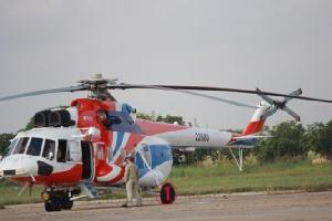 Mi-171A2 หมายเลข 22880 ที่ฐานทัพอากาศโปเจินตง กรุงพนมเปญตอนเช้าวันอังคารนี้ พร้อมอานสาต (Ansat) อีก 1 ลำ หลังไปบินโชว์ในกรุงฮานอยเมื่อ 4 วันก่อน รัสเซียส่ง ฮ.อเนกประสงค์ทั้งสองรุ่น ลุยตลาดพลเรือนในย่านนี้ โดยเชื่อว่าจะมีความต้องการมากขึ้นในช่วงไม่กี่ปีข้างหน้า -- จะใช้ทางทหารก็ได้.