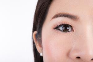 """แพทย์เตือนผู้ป่วยเบาหวาน ระวัง! """"เบาหวานขึ้นจอประสาทตา"""" แนะตรวจคัดกรองสุขภาพตาทุกปี"""