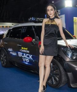 """""""แก้มบุ๋ม"""" โสดแล้วแซ่บต่อ บุก  Motor Expo 2018 รัวไลค์ Hi-Kool  ขีดสุดแห่งนวัตกรรมฟิล์มกรองแสง"""