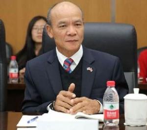 พลเอก สุรสิทธ์ ถนัดทาง ผู้อำนวยการศูนย์วิจัยยุทธศาสตร์ไทย-จีน สำนักงานคณะกรรมการวิจัยแห่งชาติ