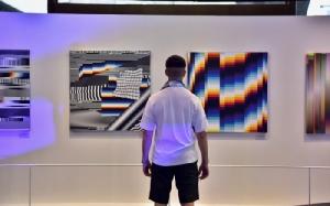 """ศิลปะดิจิทัลสุดล้ำกลางกรุง จากศิลปินชื่อก้องระดับโลก """"ฟิลิเป"""""""