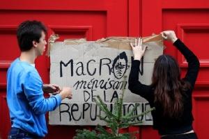 """In Clip : """"หอคอยไอเฟล-พิพิธภัณฑ์ลูฟร์""""กลางกรุงปารีสถูกสั่งปิดสุดสัปดาห์นี้ หนีประท้วงใหญ่เสื้อกั๊กเหลือง"""