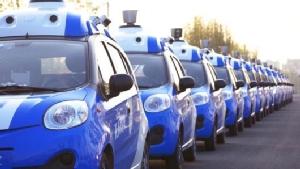 โฉมหน้าขบวนรถยนต์ไร้คนขับ ขณะทดสอบระบบไฮเทค ในเมืองอู้เจิน มณฑลเจ้อเจียง ประเทศจีน (ภาพจากแฟ้มรอยเตอร์ส)