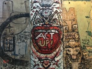 ซากกำแพงเบอร์ลินที่ Newseum ในกรุงวอชิงตัน ดี.ซี.