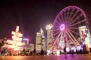 ฮ่องกงจัดใหญ่เทศกาลประดับไฟ เนรมิตเมืองงดงามด้วยแสงสีตระการตา