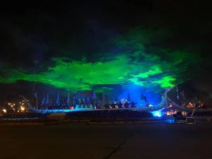 5 วันคนชมอุ่นไอรักกว่า 9.4 หมื่นคน เย็นนี้จัดเต็มการแสดงแสง เสียง ประกอบการเห่เรือพระราชพิธี