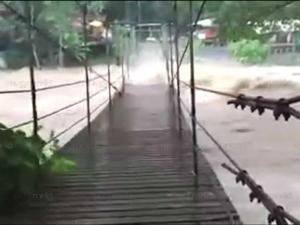 ชาวบ้านเมืองคอนร้องทบทวนแก้ไขทางระบายน้ำเดิม หลังเกิดน้ำป่าทะลัก