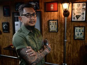 คุยกับ 'เอ ศักดิ์ศิริ' จากช่างผมสู่ผู้จัดงาน Wahl Thailand Barber Battle class=
