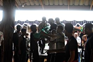 ตัวแทนพรรคภูมิใจไทยขอตำรวจอย่าตัดประเด็นการเมือง เหตุฆ่าผู้ใหญ่บ้านหัวคะแนน