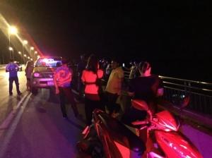 หนุ่มสุราษฎร์ฯ เครียดร้านอาหารขาดทุน ถูกเพจดังหลอกเอาเงินก้อนสุดท้าย คิดสั้นกระโดดสะพานฆ่าตัวตาย