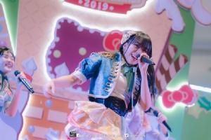 """""""BNK48 - Hello Kitty""""ปาร์ตี้ """"เทอร์มินอล 21 โคราช"""" ห้างแตก!"""