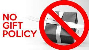 เหรียญสองด้าน นโยบายงดรับของขวัญ 'No Gift Policy'