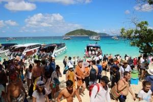 ผู้ประกอบการเฮ! ศาลปกครองภูเก็ตสั่งคุ้มครองชั่วคราว ห้ามจำกัดจำนวนนักท่องเที่ยวขึ้นเกาะสิมิลัน