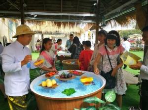 ประชาชนทั่วไทย แห่ซื้อสลากอุ่นไอรัก รอลุ้นรางวัลใหญ่วันที่ 19 ม.ค.นี้