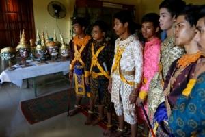 ชาวเขมรส่งลูกหลานเรียนรำละครโขนฟื้นฟูศิลปะชาติหลังเกือบสูญหายในยุคเขมรแดง