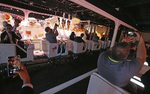บรรยากาศการนั่งรถไฟราง The Ride ของ Google