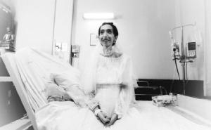 """เจ้าสาวป่วยเข้าพิธีวิวาห์ใน รพ.ศิริราช เสียชีวิตแล้ว เจ้าบ่าวย้ำ """"จะอยู่ในใจตลอดไป"""""""