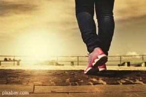 เดิน 1 หมื่นก้าวต่อวัน ช่วยปรับระดับน้ำตาล และความดันโลหิต