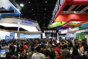 แฟ้มภาพ : บูธแยก Samsung ภายในงาน Thailand Mobile Expo ที่จะไม่ได้เห็นภาพในครั้งนี้