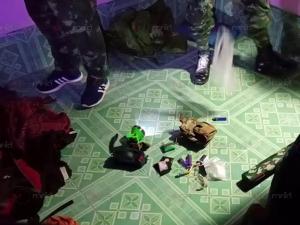 ตร.ชุมพรบุกจับครูผู้ช่วยพร้อมเครือข่ายคาบ้านพัก พบของกลางยาบ้า-ไอซ์-น้ำใบกระท่อม