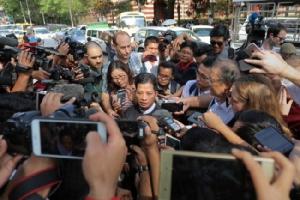 ภรรยาสองนักข่าวพม่าร่ำไห้ ศาลสูงยกคำร้องอุทธรณ์ ยืนโทษคุก 7 ปี