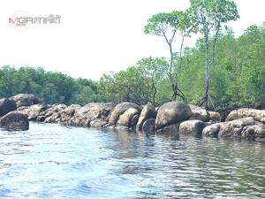 """ลุยเที่ยวชม! """"หินลูกช้าง"""" แหล่งท่องเที่ยวเชิงอนุรักษ์แห่งใหม่ในอำเภอหาดสำราญ (ชมคลิป)"""