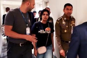 สาวซาอุฯผู้หนีครอบครัวเข้าไทยได้รับอนุมัติลี้ภัยในแคนาดา บินสู่จุดหมายปลายทางแล้ว