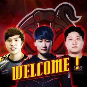 ผู้เล่นใหม่ 3 คน (จากซ้ายไปขวา) จักริน จันทวารี, คิม ซัน วู, ชิน ชาง ฮุน