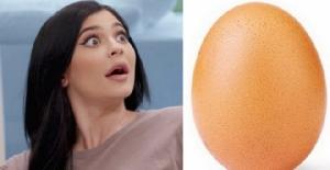 """งงกันทั้งโลก!? ภาพไข่สุดธรรมดาทุบสถิติยอด LIKE ใน IG ของ """"ไคลีย์"""" อย่างราบคาบ"""