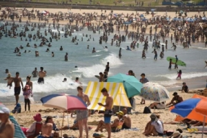 """ออสเตรเลียเตือนระวัง """"อุณหภูมิพุ่งสูง"""" เป็นประวัติการณ์ในหลายพื้นที่"""