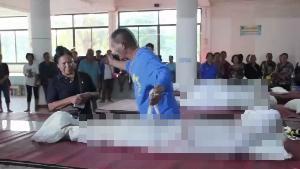 เศร้าสลด! ญาติร่วมไว้อาลัยเหยื่อกระสุนเขยคลั่ง พยานเผยวินาทีมือปืนลั่นไกฆ่ายกครัว