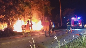 เกิดเหตุเพลิงไหม้ร้านรับซื้อของเก่า ระดมรถดับเพลิงฉีดสกัดกว่า 1 ชม.
