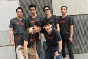 "NETFLIX ยกทัพดารานักแสดงชั้นนำของไทย ร่วมพิธีบวงสรวง ""เคว้ง (The Stranded)"" ออริจินอลซีรีส์ไทยเรื่องแรก"