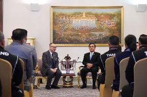 """""""ประยุทธ์"""" ต้อนรับนักกีฬาเพาะกาย-ฟิตเนส ทีมชาติไทย ปลื้มสร้างชื่อเสียง"""