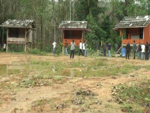 แม่ทัพภาค 4 รุดปลอบขวัญชาวไทยพุทธ ย้ำอย่าตกหลุมพรางโจรใต้เสี้ยมให้แตกแยก