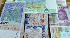 """ภาพสกุลเงิน """"ซีเอฟเอ ฟรังค์""""(CFA franc)"""
