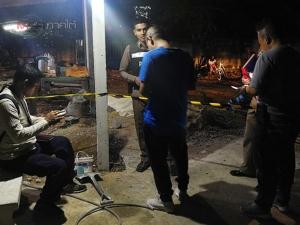 คนร้ายยกพวกบุกยิงหนุ่มใหญ่ดับคาวงน้ำชา ตร.คาดสาเหตุมาจากผู้ตายทะเลาะเมียเพื่อนบ้าน