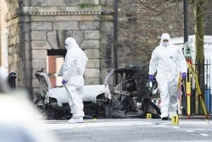 """InPics&Clip:""""ไอร์แลนด์เหนือ"""" ขวัญผวา หลังคาร์บอมบ์วันเสาร์เชื่อม """"IRAใหม่"""" อังกฤษยัน ไม่รื้อข้อตกลงสันติภาพกู๊ดฟรายเดย์ปี 1998"""